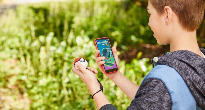 КакPoke Ball Plus работает в Pokemon GO